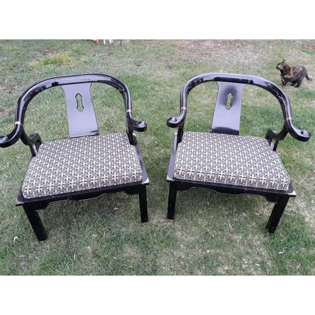 Chinoiserie 1960s Vintage Century Furniture Chin Hua Ming Horseshoe Chairs- A Pair For Sale - Image 3 of 6