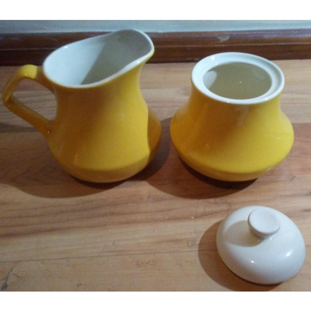 Mid-Century Modern 1900s Mid-Century Modern Yellow Ceramic Creamer and Lidded Sugar Bowl - 2 Piece Set For Sale - Image 3 of 4
