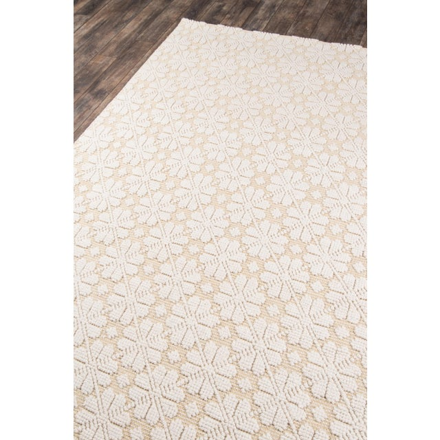 A vintage-inspired accent with elegance to spare, this traditional area rug reimagines Renaissance style for modern times....
