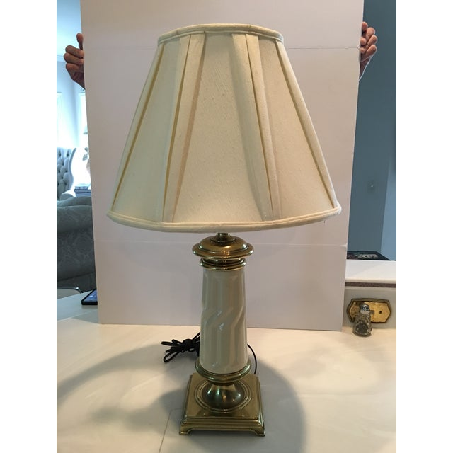 White Vintage Stiffel & Lenox Table Lamp For Sale - Image 8 of 8