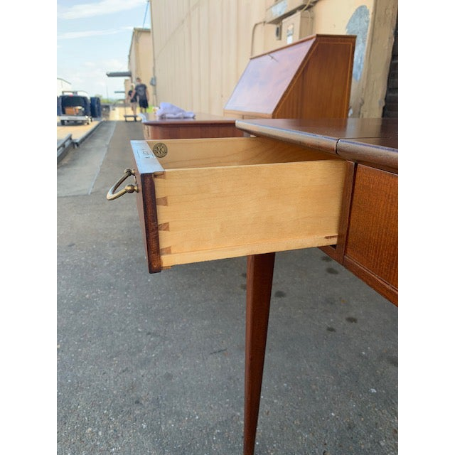 Swedish Mid-Century Modern Vanity by David Rosen for Nk Stockholm, Circa 1950 For Sale - Image 9 of 12