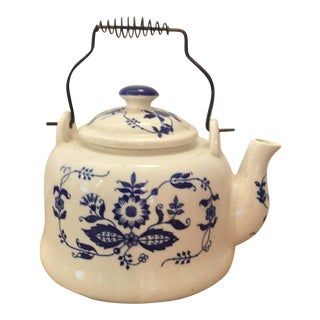 Early 20th Century English White and Blue Tea Kettle For Sale