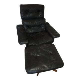 Black Leather Mid-Century Modern Lounge Chair & Ottoman For Sale