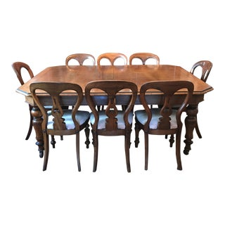 Early 19th Century Walnut Dining Set For Sale