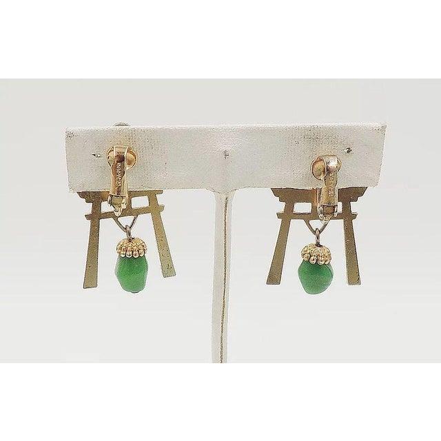Gemstone 1960s Napier Pagoda Faux-Jade Rhinestone Drop Earrings For Sale - Image 7 of 9