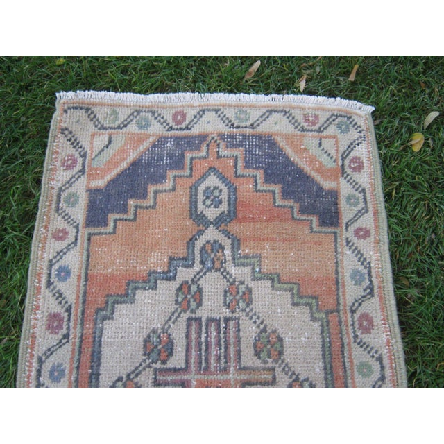 "Vintage Small Turkish Beige Wool Pile Hand Knotted Area Rug - 1'7"" x 2'11"" - Image 2 of 6"
