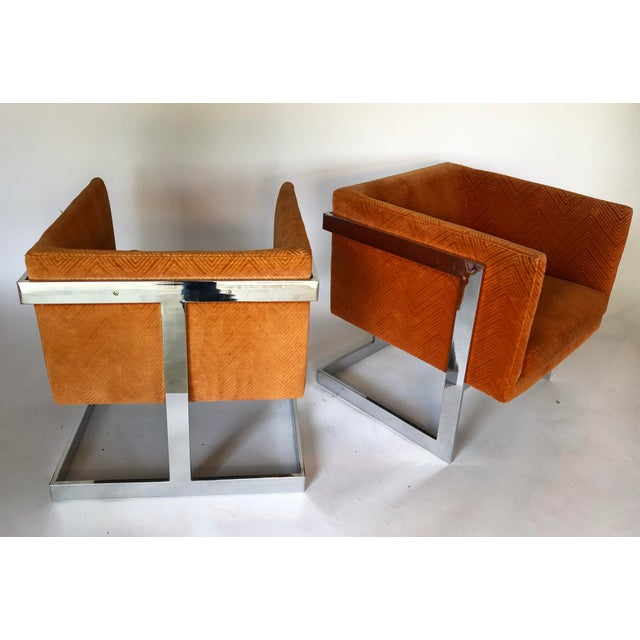 This is a stunning pair of Milo Baughman's most beautiful chair design: the T-Back. Made in the 1970s.