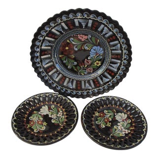 1950s Vintage Hungarian Pottery Hanging Display Plates - Set of 3 For Sale