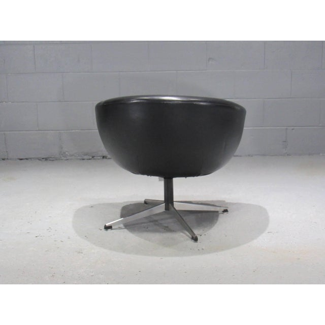 Mid-Century Modern Black Swivel Pod Chair by Overman For Sale - Image 3 of 6