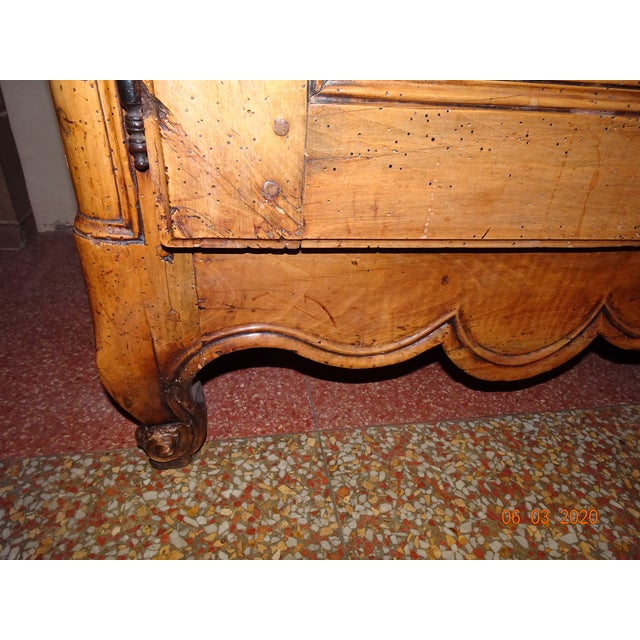 Mid 18th Century French Louis XV Walnut Enfilade For Sale - Image 5 of 13