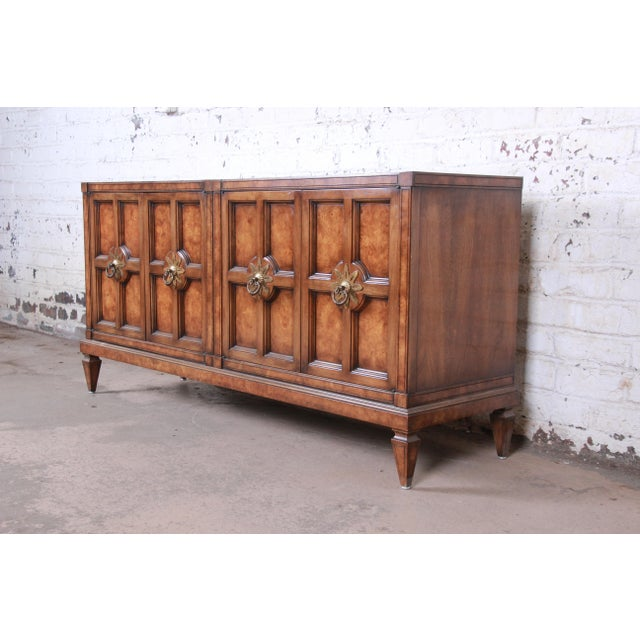 A gorgeous mid-century modern Hollywood Regency sideboard credenza or bar cabinet By Mastercraft Furniture USA, 1960s...