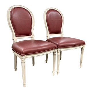 Henredon Mark D. Sikes St. Pierre Weathered White & Red Leather Dining Chair Set For Sale