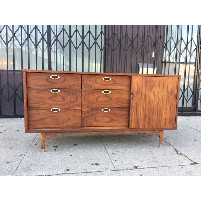 Danish Modern Hooker Mainline Mid-Century Modern Dresser For Sale - Image 3 of 9