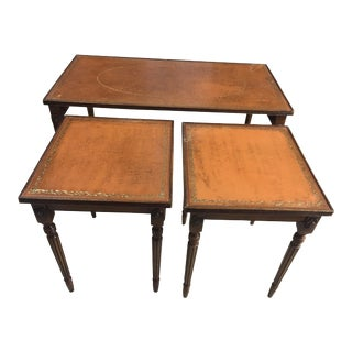 19th Century French Leather Top Cocktail Table With 2 Nested Side Tables - Set of 3 Pieces For Sale