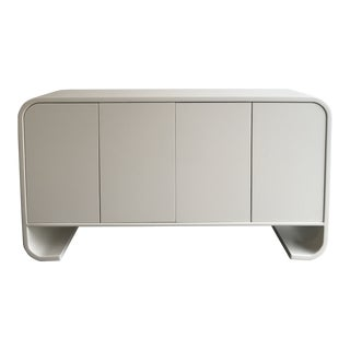 1980s Hollywood Regency Curved White Lacquered Credenza For Sale