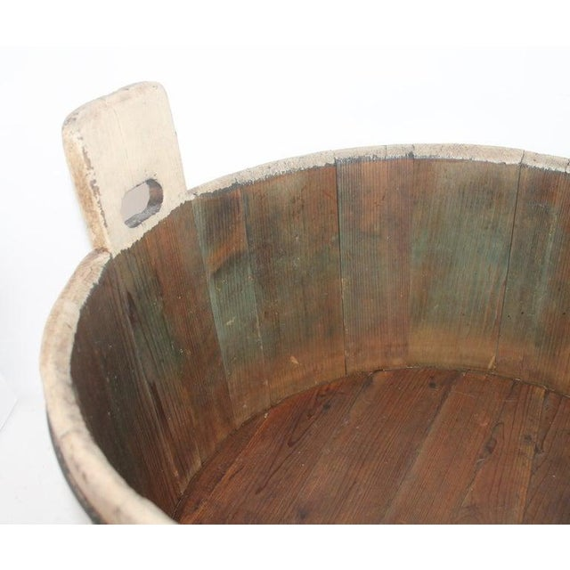 19th Century Original Cream Painted Wash Tub For Sale In Los Angeles - Image 6 of 7