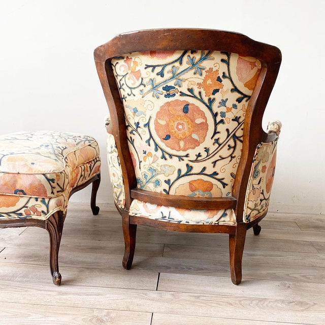 """Textile Louis XV Style Armchair and Ottoman in Brunschwig & Fils """"Dzhambul"""" Fabric For Sale - Image 7 of 8"""