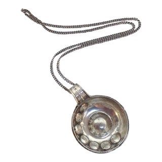 18th-C. Sterling Wine Taster with Chain For Sale
