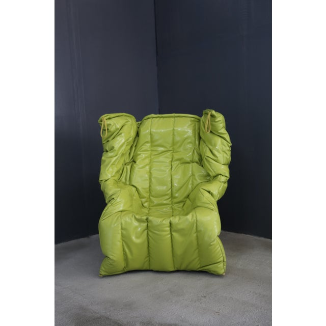 fantastic high-tech product. Comfortable as an embrace, with enveloping and unstructured shapes, characterized by bright...