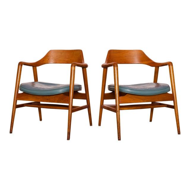 1960s Vintage Gunlocke Co. Walnut Armchairs - a Pair For Sale