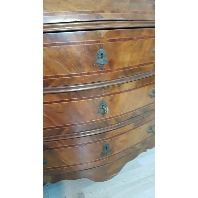 Brown 18th Century Italian Louis XV Walnut Chest of Drawers With Secretarie For Sale - Image 8 of 13