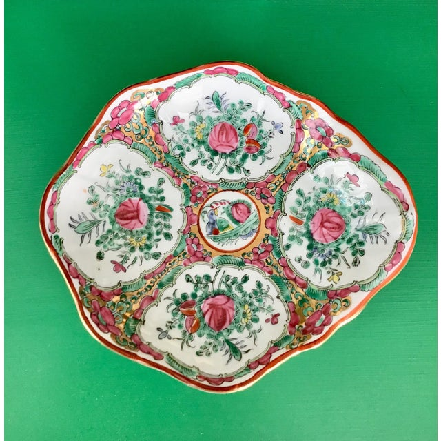 Rose Medallion Porcelain Shell Bowl Catchall For Sale In Charleston - Image 6 of 6