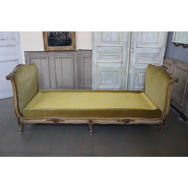 French French Early 20th Century Louis XV Style Daybed For Sale - Image 3 of 10