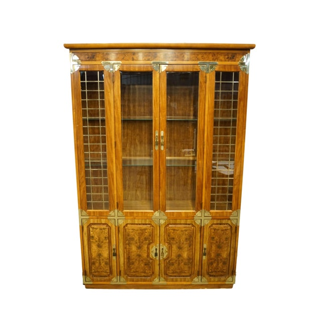 20th Century Chinoiserie Bernhardt Furniture Illuminated Display China Cabinet For Sale - Image 12 of 12