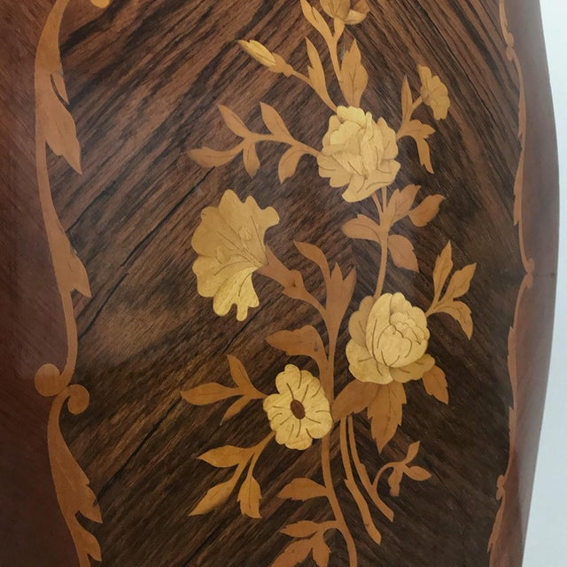 Early 20th Century Antique French Louis XV Bombe Marquetry Marble Top Commode For Sale - Image 5 of 13