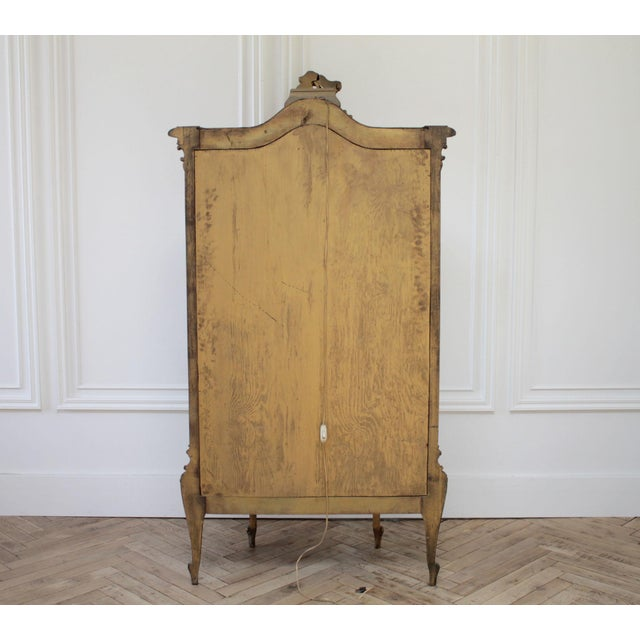 Early 20th Century Louis XV Style Giltwood Carved Vitrine Display For Sale - Image 4 of 12