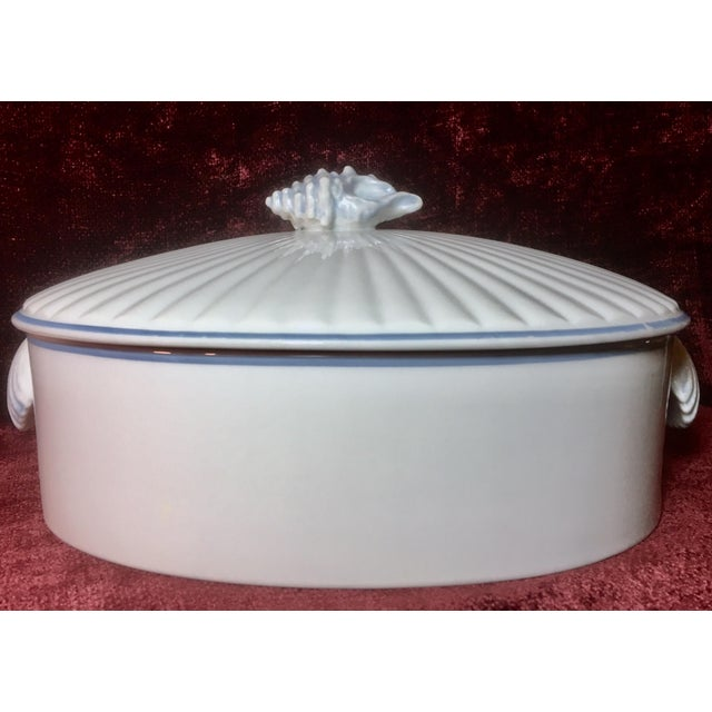 """Up your dinner game with this gorgeous top-of-the-line 1970s era """"Oven to Table"""" porcelain covered casserole in """"Blue..."""
