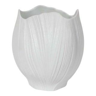Mid-Century Modern Striated White Ceramic Vase by Martin Freyer for Rosenthal For Sale
