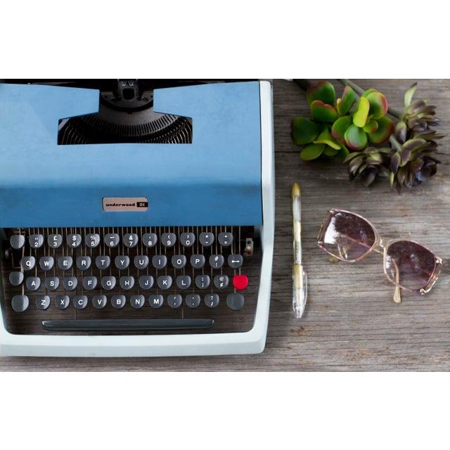 Mid-Century Modern Vintage Underwood 21 Typewriter For Sale - Image 3 of 9
