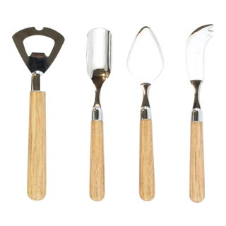 Kenneth Ludwig Chicago Albero Oak Hostess Cheese Set - 4 Pieces For Sale