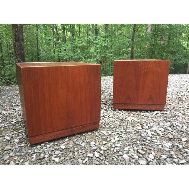 Jens Risom Mid Century Modern Cube Tables ~ a Pair For Sale - Image 13 of 13