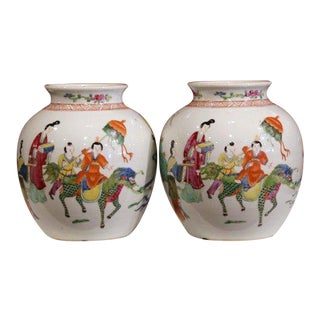 Pair of Early 20th Century Chinese Hand-Painted Clobbered Jars With Asian Decor For Sale