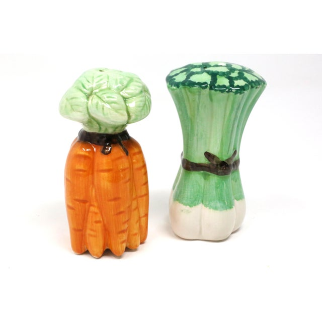 Vintage Ceramic Carrots and Leeks Salt & Pepper Shakers - Set of 2 For Sale In Tampa - Image 6 of 9