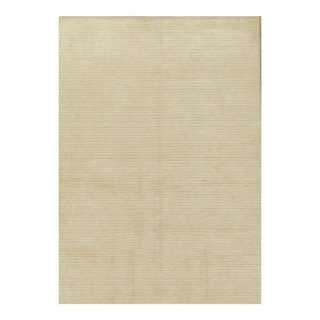 Contemporary Hand Woven Rug - 4'11 X 7' For Sale