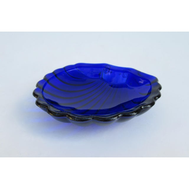 Hollywood Regency English Silver Plate Caviar Serving Dish With Cobalt Blue Glass Liner - 3 Pieces For Sale - Image 9 of 13