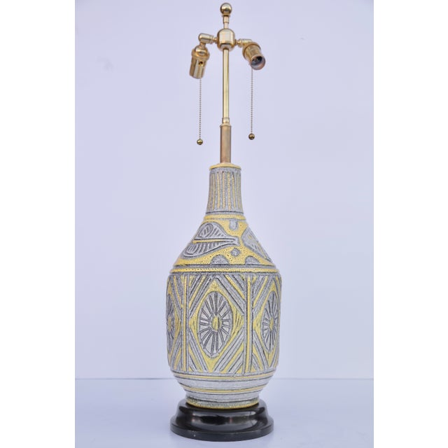 Italian Italian Yellow Ceramic Table Lamp For Sale - Image 3 of 5