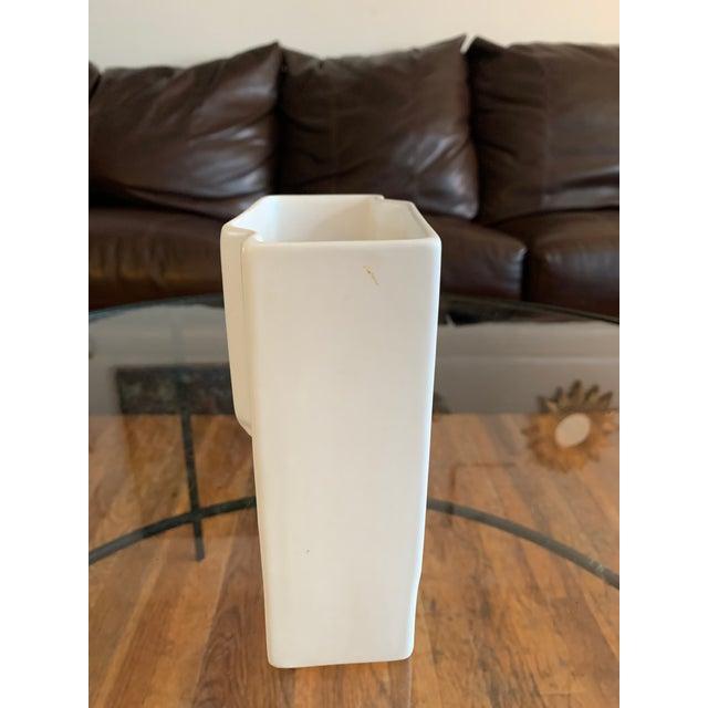 Art Deco 1970s Vintage Art Deco White Sculptural Vase For Sale - Image 3 of 6