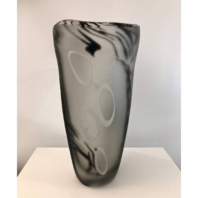 Black Contemporary Modern Black White and Crystal Clear Murano Glass Sculptural Vase For Sale - Image 8 of 13