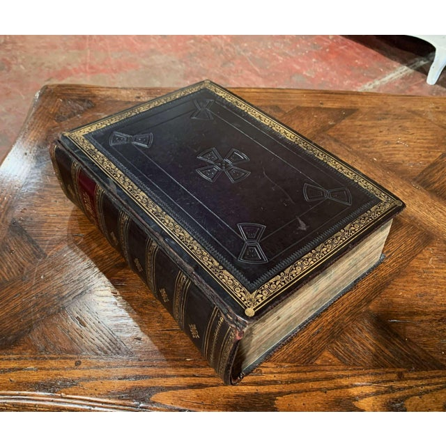 This beautiful antique Bible appointed to be read in churches, was printed in England by Cassell, Petter & Galpin, London,...