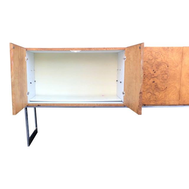 1970s Mid-Century Modern Milo Baughman for Thayer Coggin Burl Credenza on Chrome Base For Sale In New York - Image 6 of 10