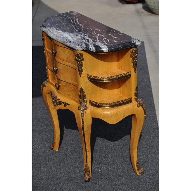 1980s Vintage Louis XV Mounted Marble Top & Bronze Detail Side Table For Sale - Image 5 of 11