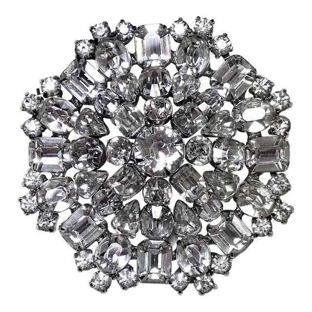 1950s Rhodium-Plated Faceted Glass Stone Brooch For Sale