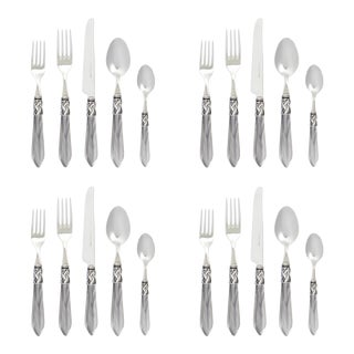 Kenneth Ludwig Chicago Vietri Aladdin Grey Antique Place Settings - Set of 4 For Sale