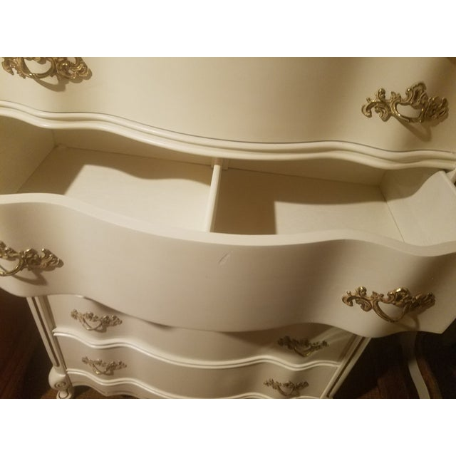 Vintage Bassett French Provincial Chest of Drawers For Sale In Denver - Image 6 of 6