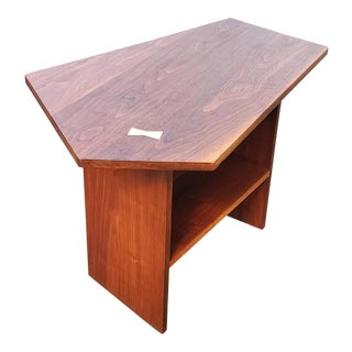 A Mid-Century Modern Side Table - Night Stand in the Manner of George Nakashima For Sale