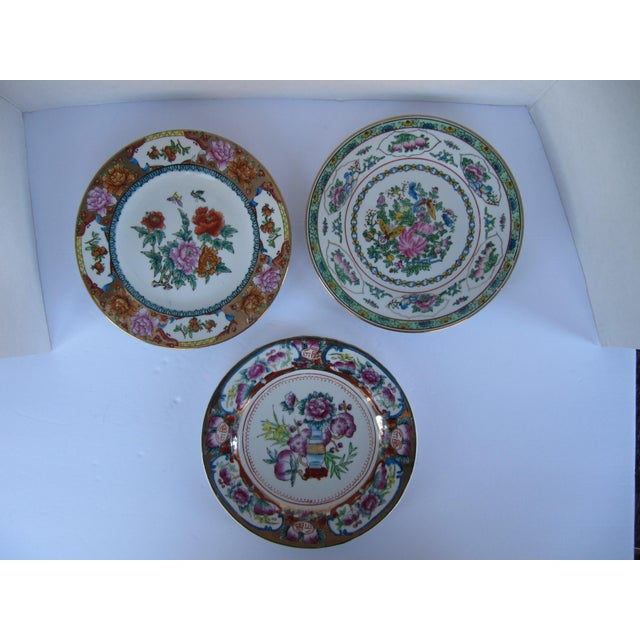 Decorative Chinoiserie Wall Plates- 3 Pieces For Sale - Image 6 of 7